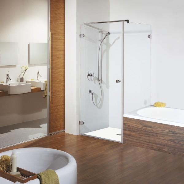 Drehtür mit Badewannenseitenwand rechts, Türöffnung nach außen